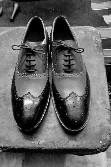 Men's Gray Black Oxford Brogue Rounded Toe Lace Up Real Leather Handmade Shoes