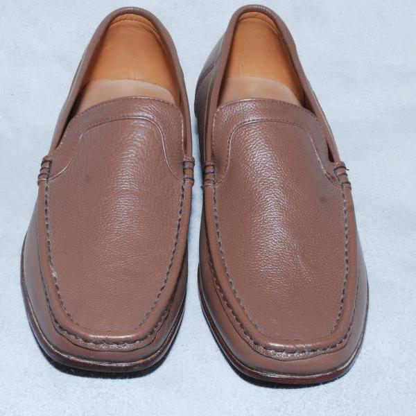 Hand Stitched Brown Rounded Toe Genuine Leather Loafers Slip On For Men